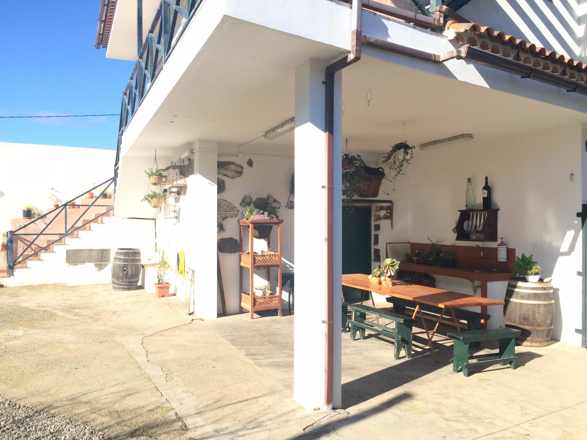 Terrasse mit Tisch Finca Ferienhaus Tegueste