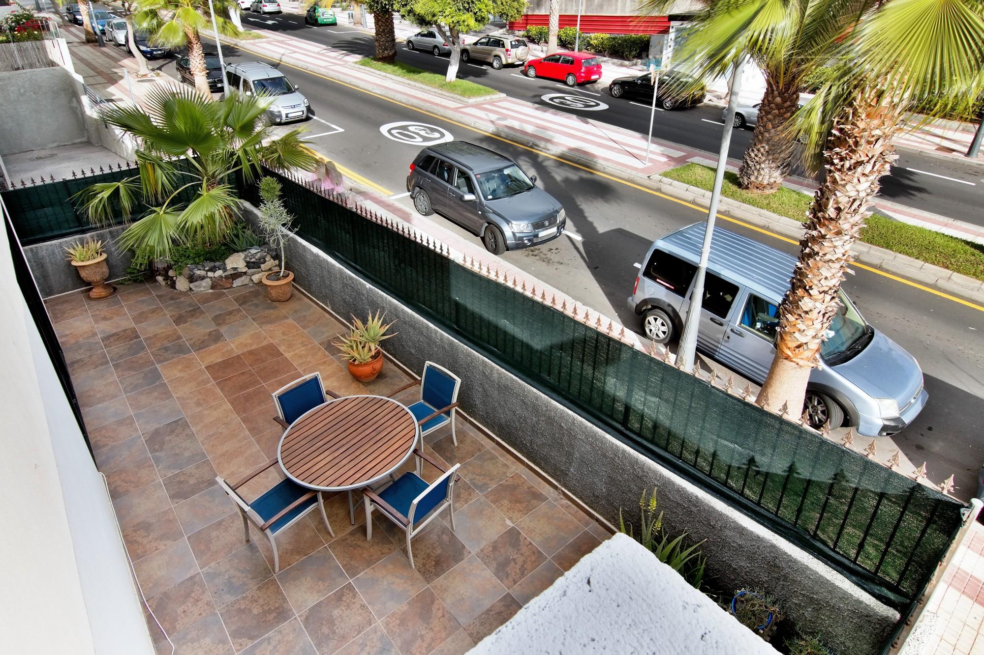 Terrasse Gartenmöbel Ferienhaus Adeje Teneriffa