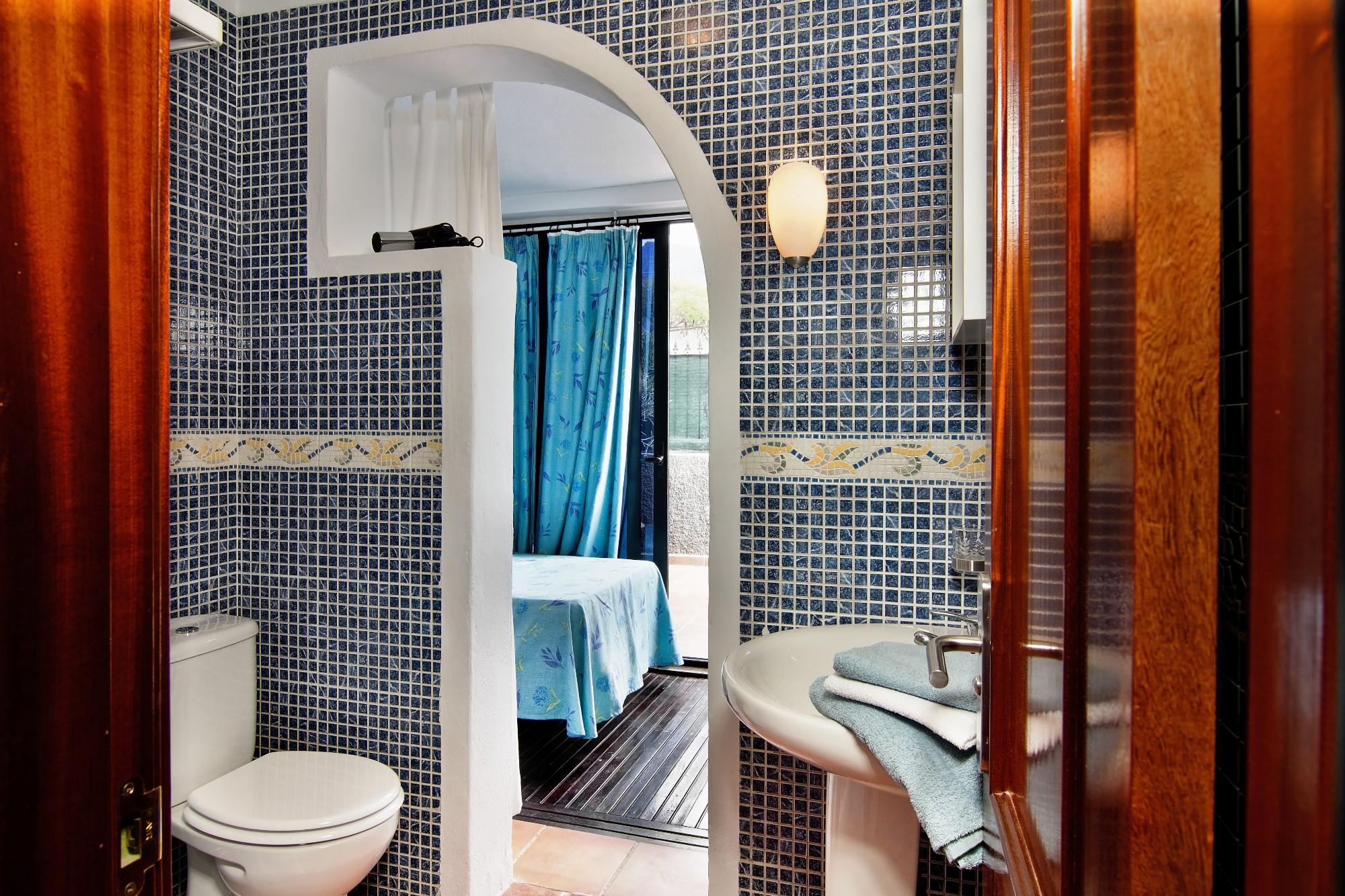 Badezimmer 1 Ferienhaus Adeje Teneriffa