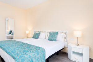 Schlafzimmer Ferienwohnung Hotel Maritim