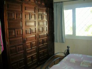Teneriffa Ferienhaus La Victoria La Palmita 1. Schlafzimmer Kleiderschrank
