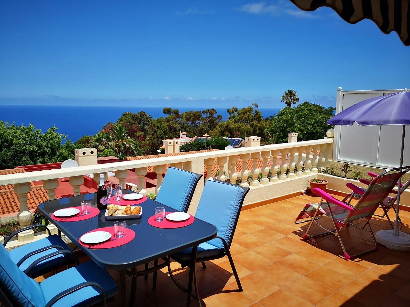 Ferienhaus Teneriffa Nord La Quinta Esstisch Terrasse
