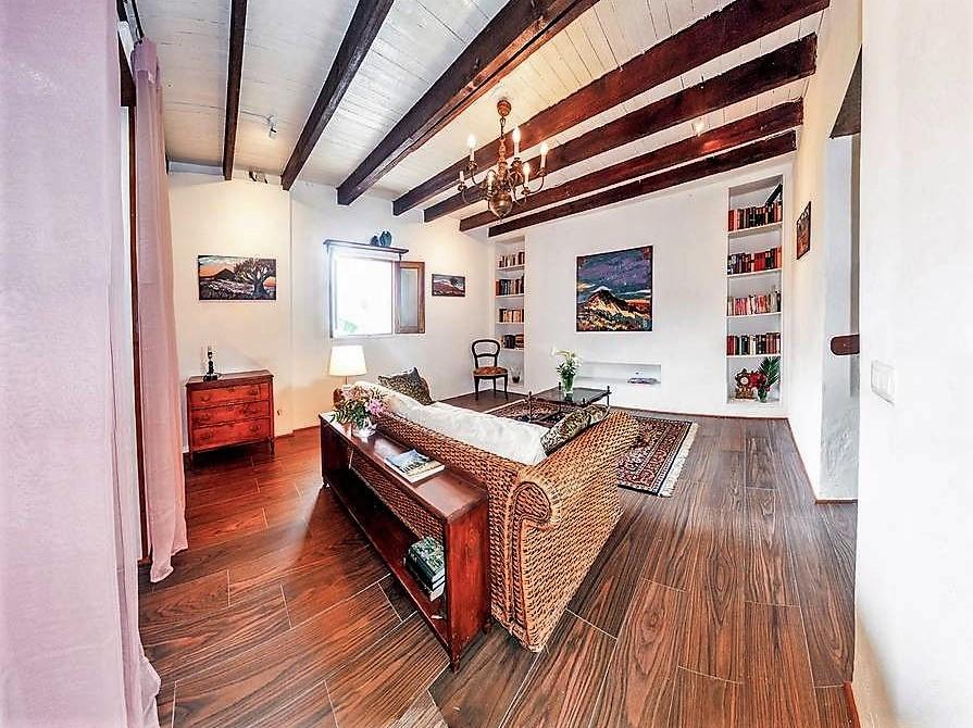 Wohnzimmer Regale Ferienhaus San Juan de la Rambla Teneriffa Nord