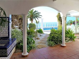 Villa mit Privatpool Teneriffa Nord Terrasse überdacht