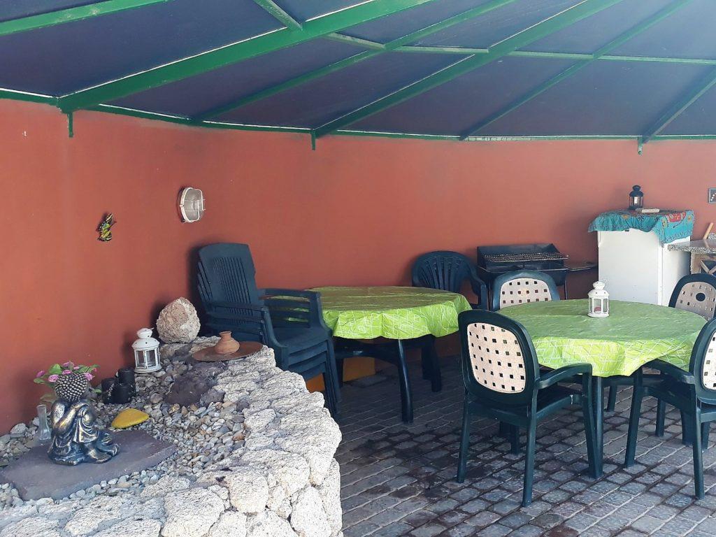 Ferienhaus in Abades Grill und Gartenmöbel
