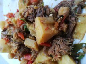 Ropa Vieja, Kartoffeln, Fleisch, Paprika, Oliven